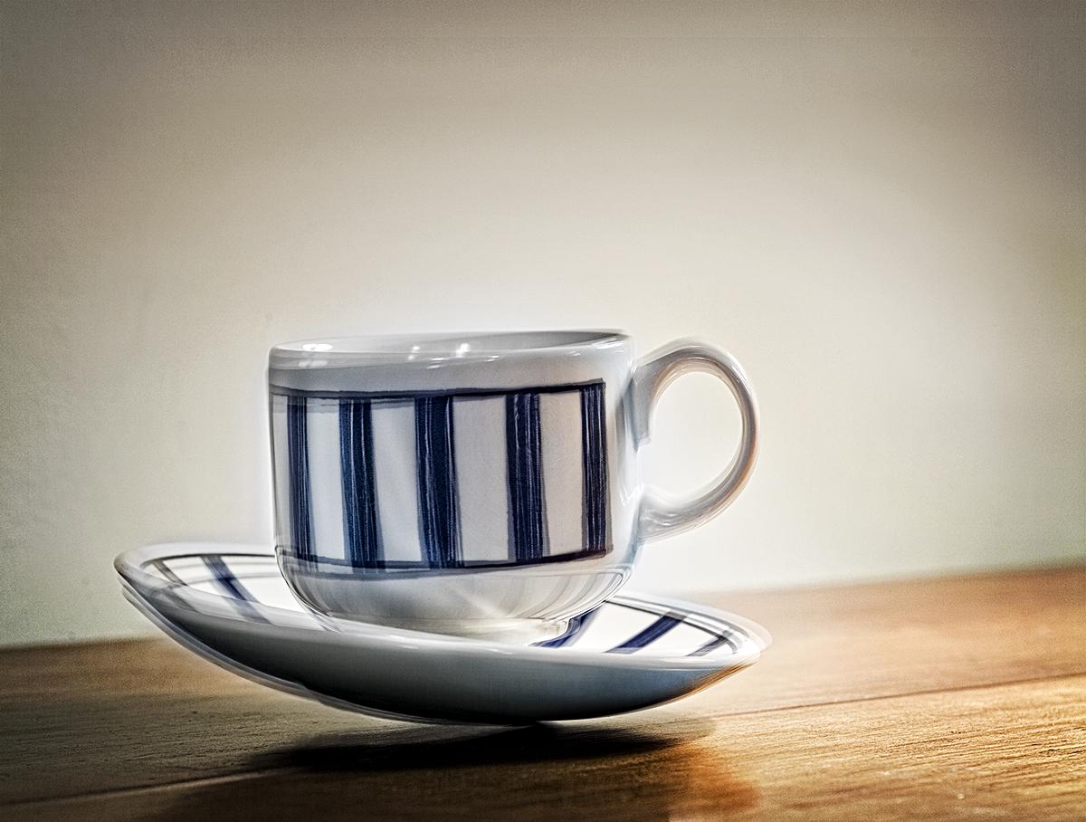 coffeecup shaking